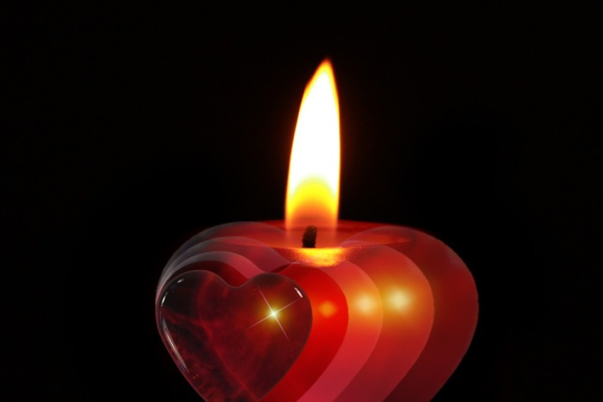 Christmas-Advent-Celebration-Candle-Heart-December-386607.jpg